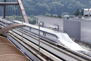 夢の超特急「リニア新幹線」2027年開業予定!不動産投資との関係は?